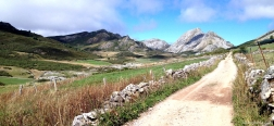 Trail near Santa María del Puerto de Somiedo