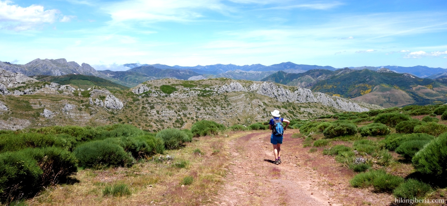 Path in the Sierra Peña la Cueva