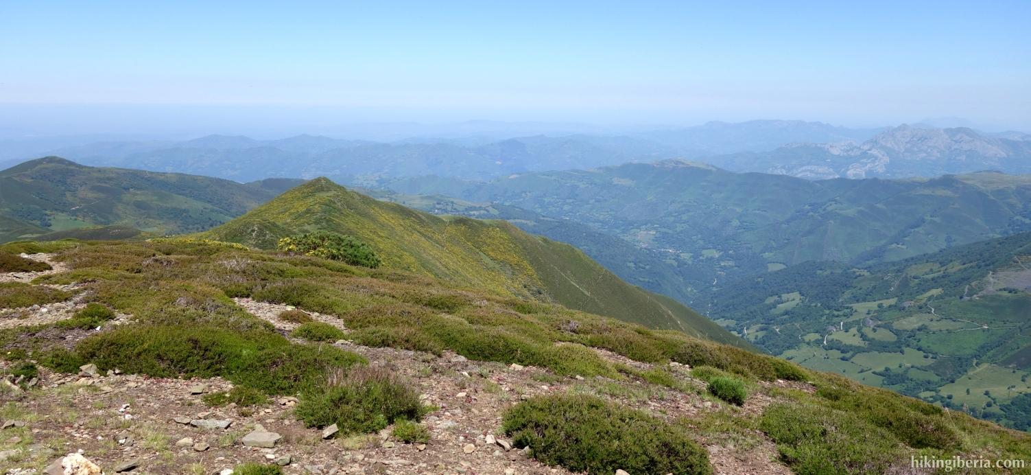 Aussicht vom Pico Tres Concejos