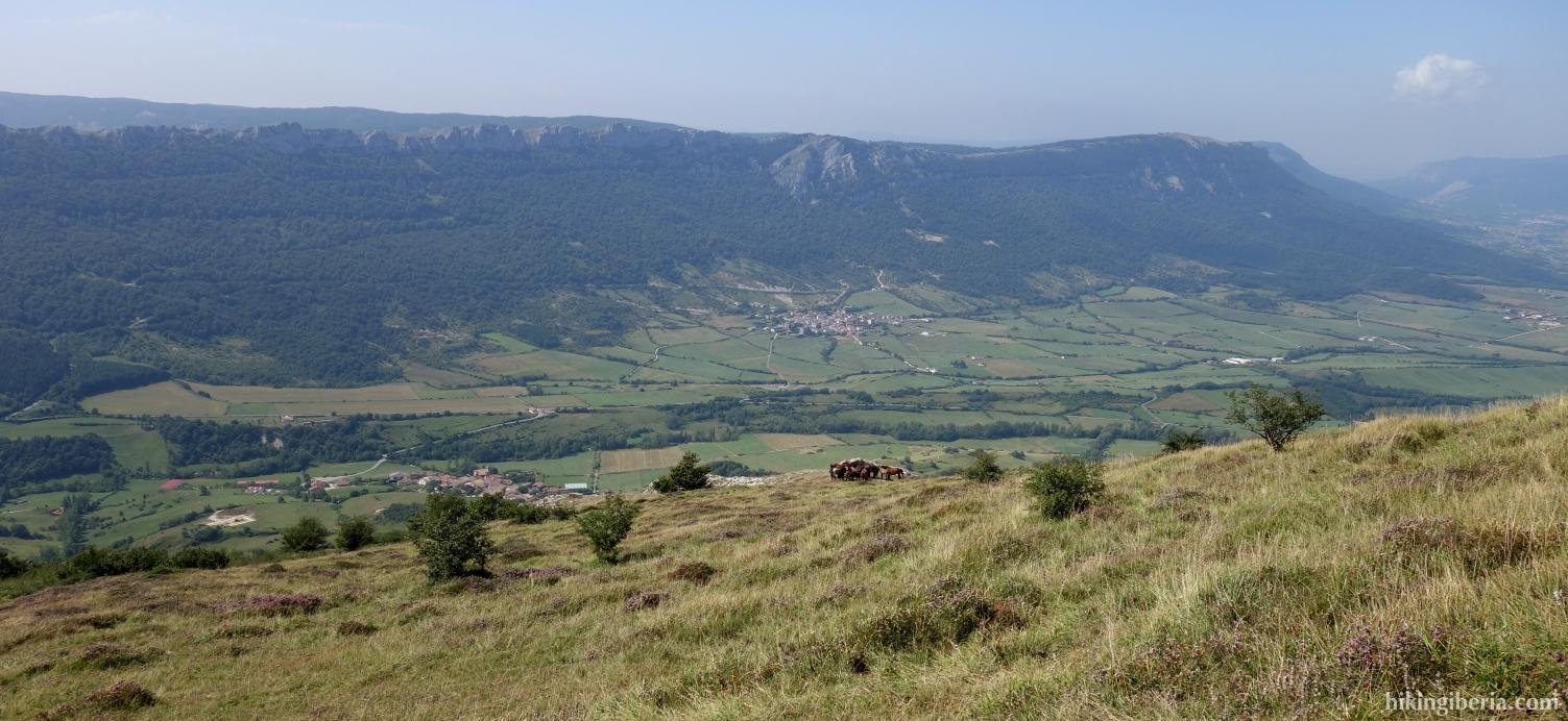 Uitzicht tijdens de klim naar de Beriain