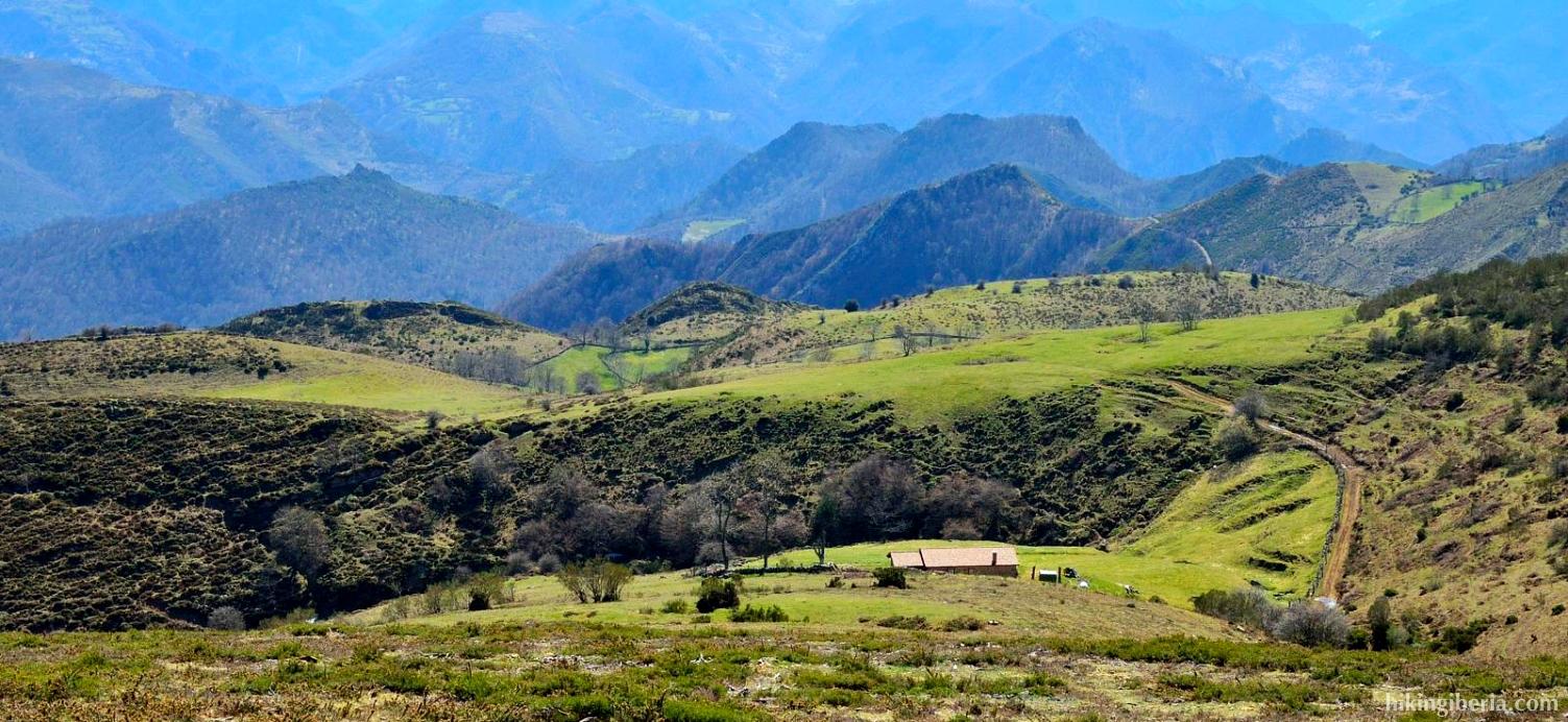 Descent from the Peña Manteca