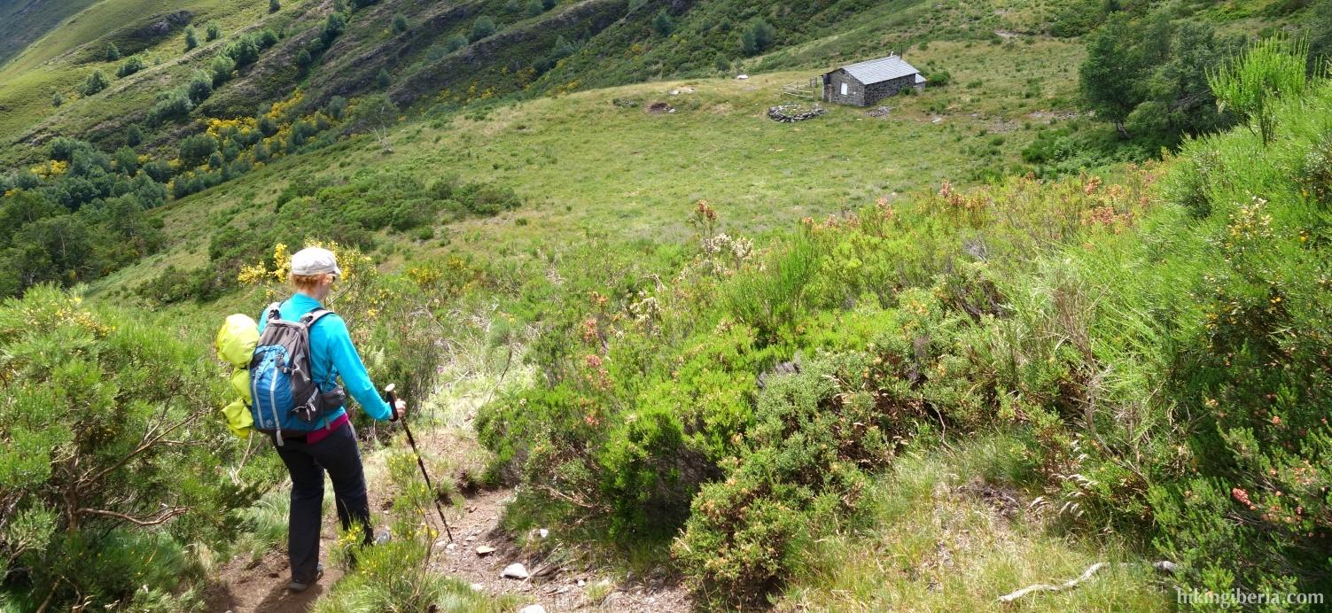 Afdaling naar de berghut van Candecaballos