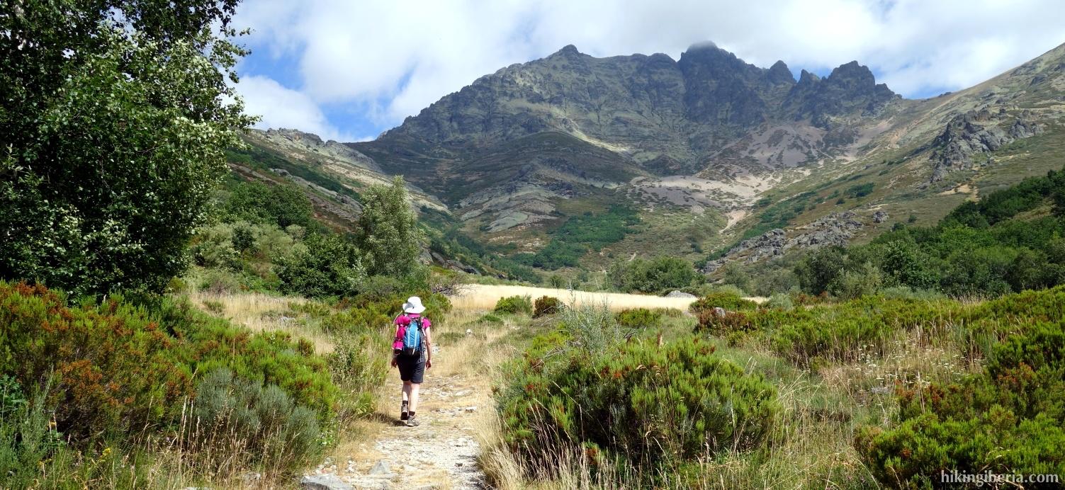 Path to Curavacas