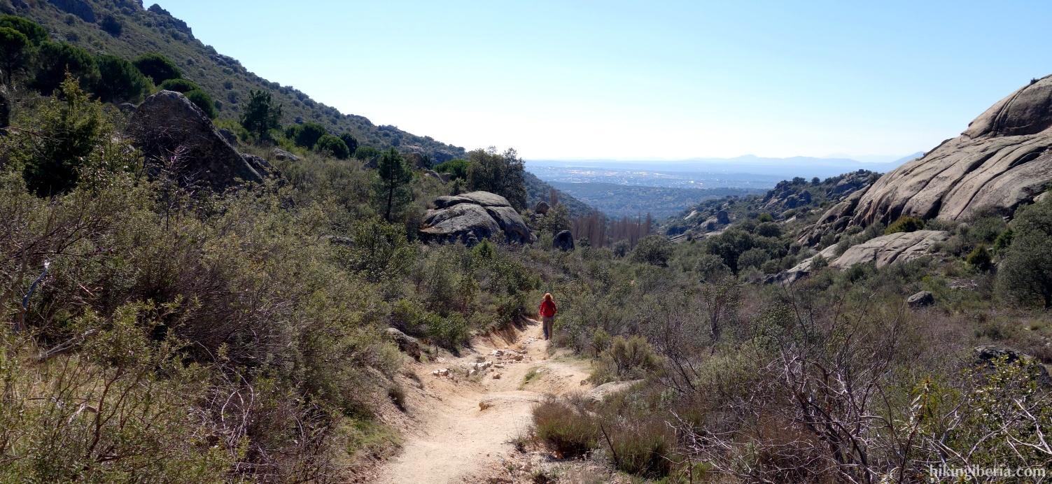 Trail along the Arroyo de Peñaliendre