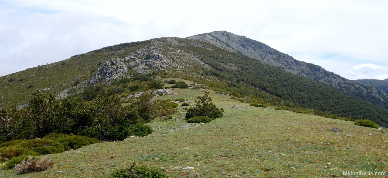 Ascent to the Peña del Oso