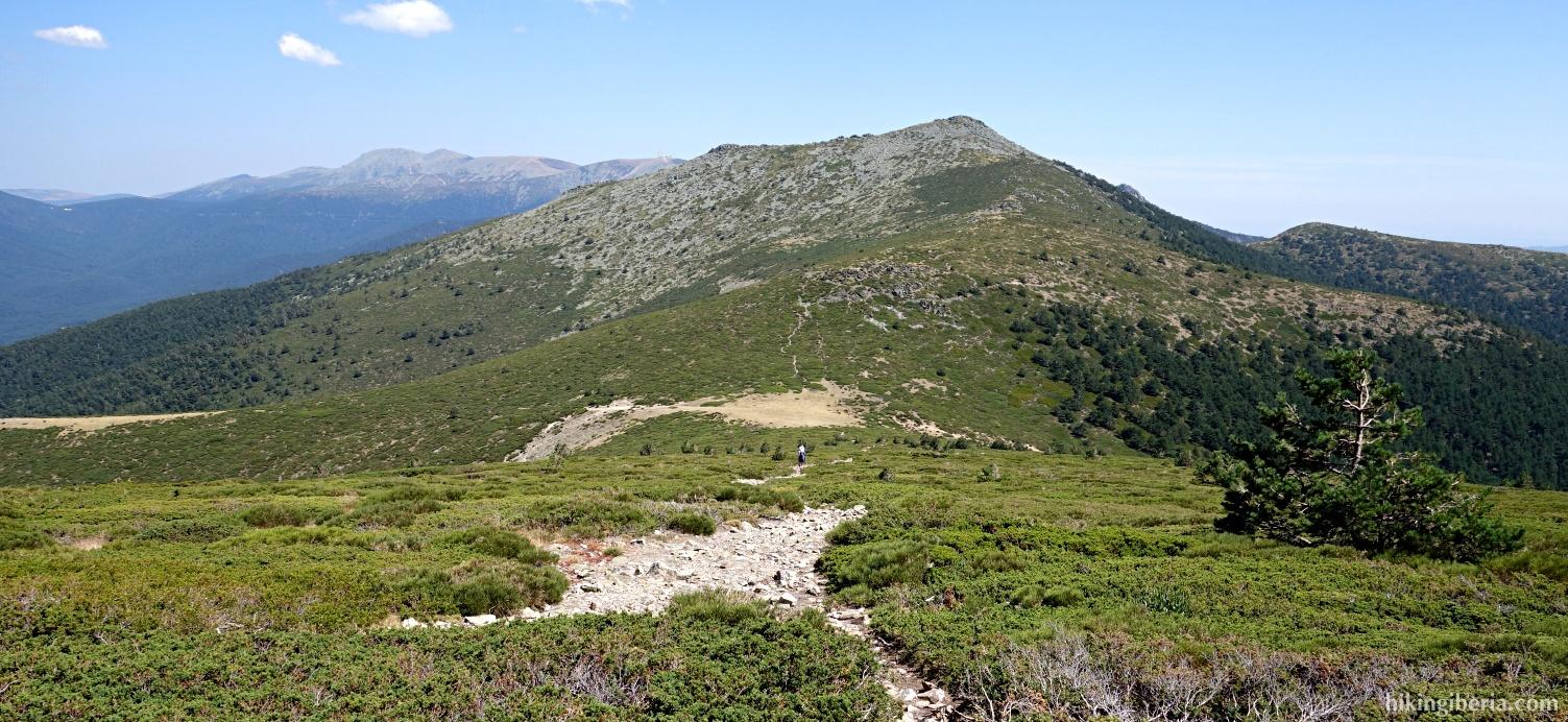 Afdaling richting de Collado de Tirabarra