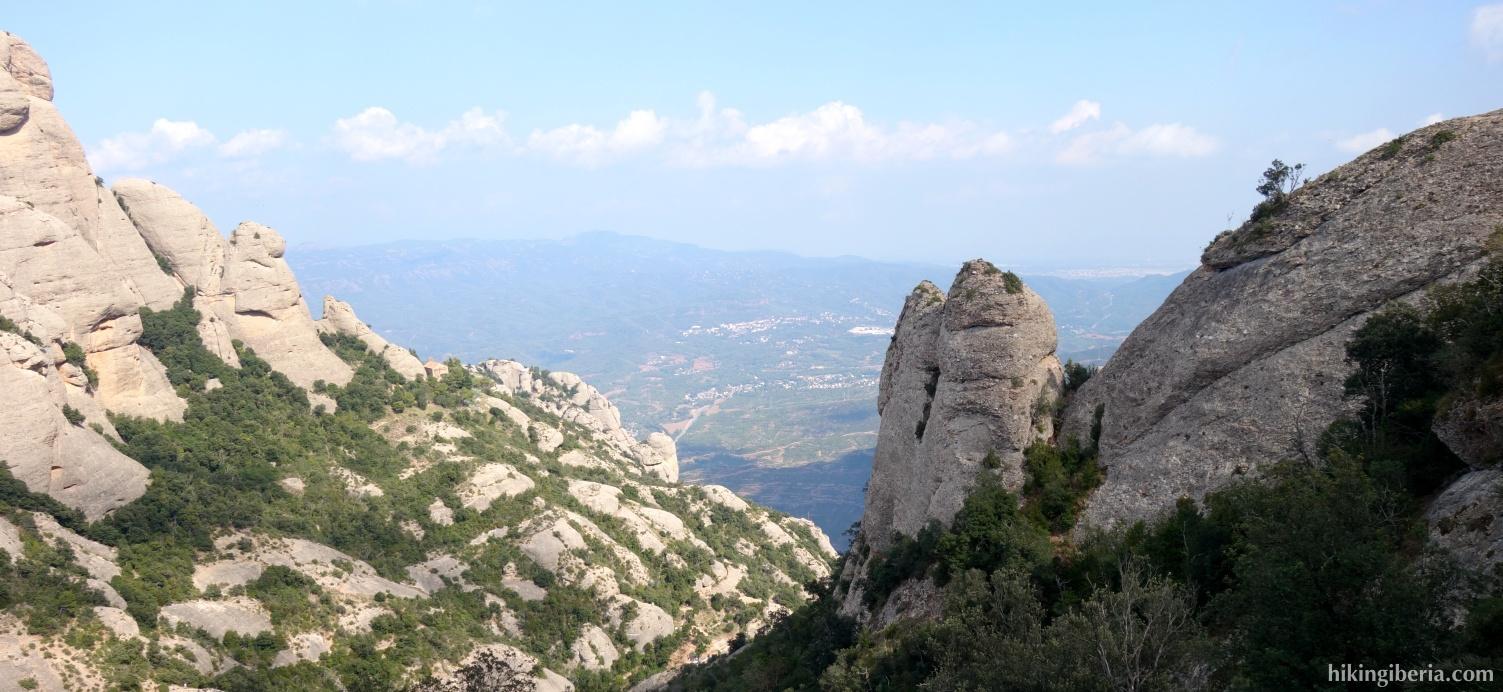 Uitzicht op de afdaling vanaf Sant Jeroni