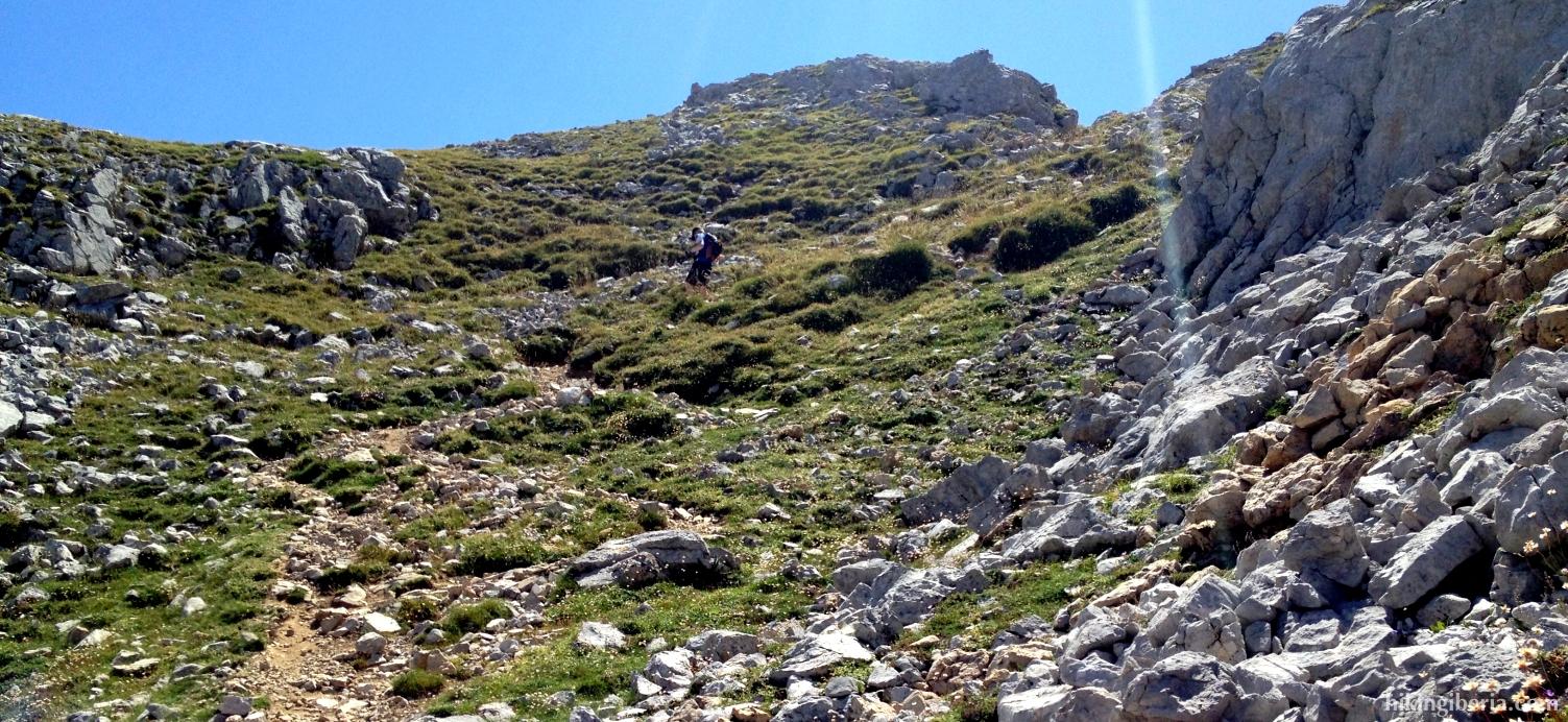 Descent from El Alto de la Canal