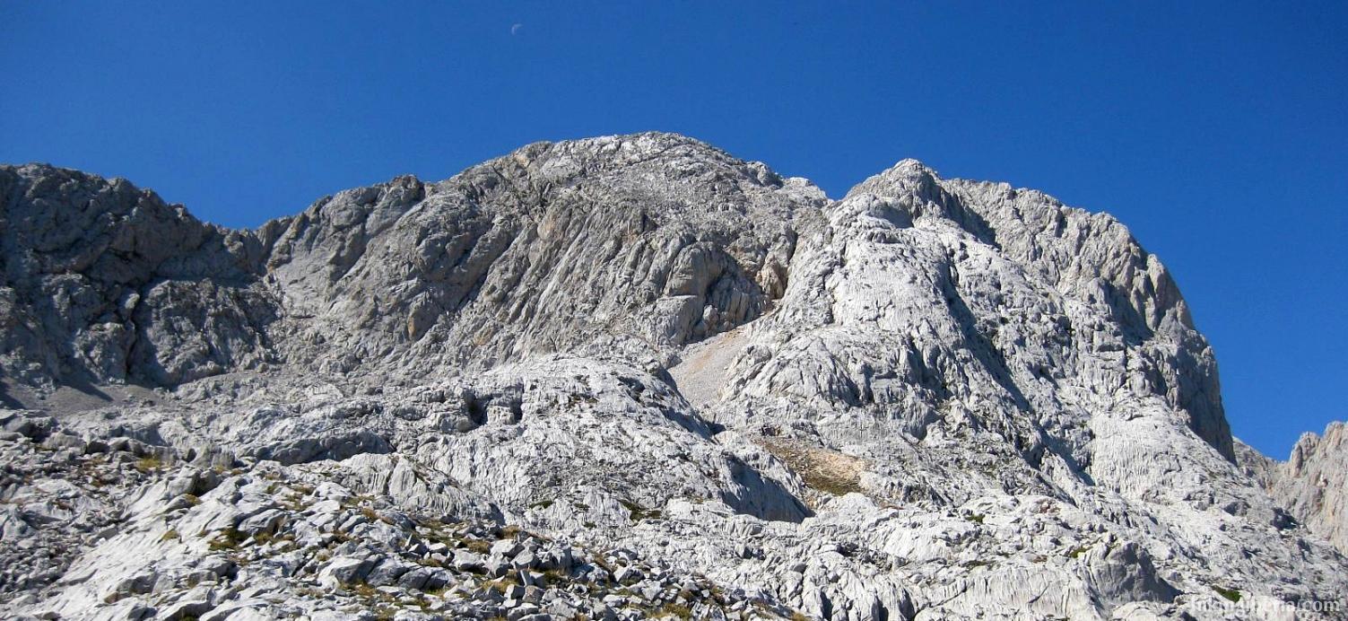 View on the Torre de Salinas from El Alto de la Canal