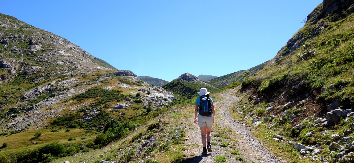 Camino en el Valle de Luriana