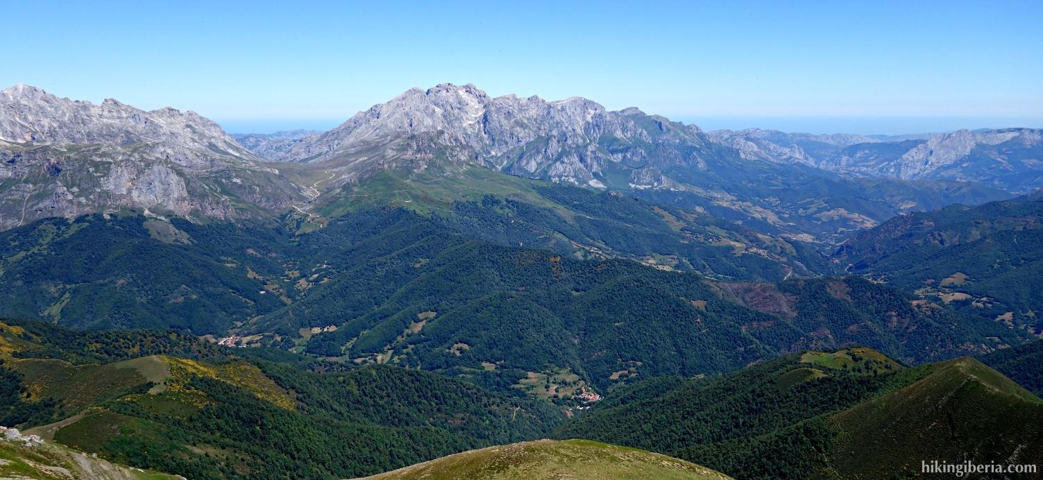 Uitzicht vanaf de Coriscao