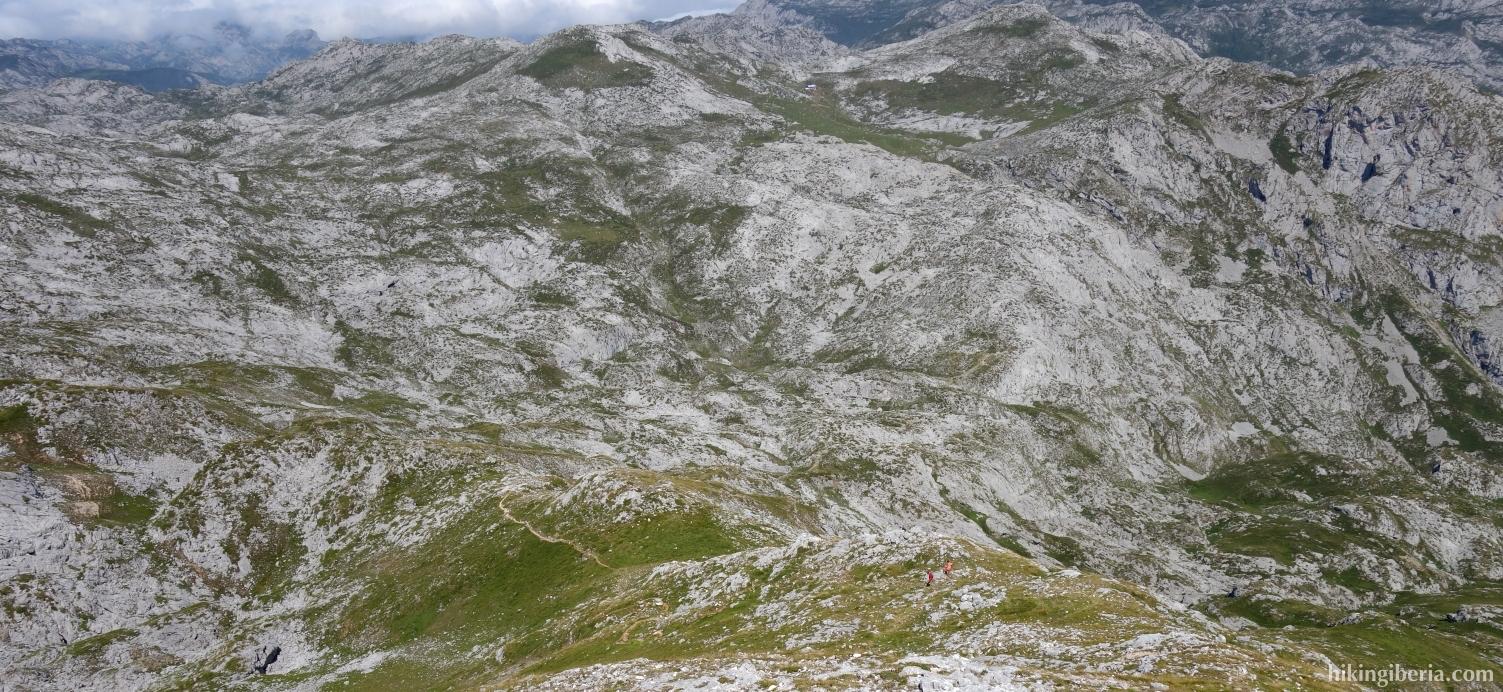 Afdaling vanaf de Jultayu