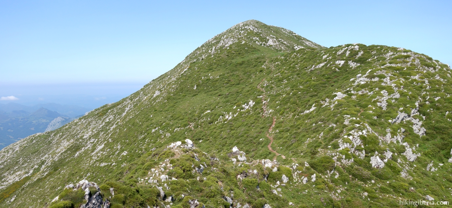 Ascent to the Pico Pierzo