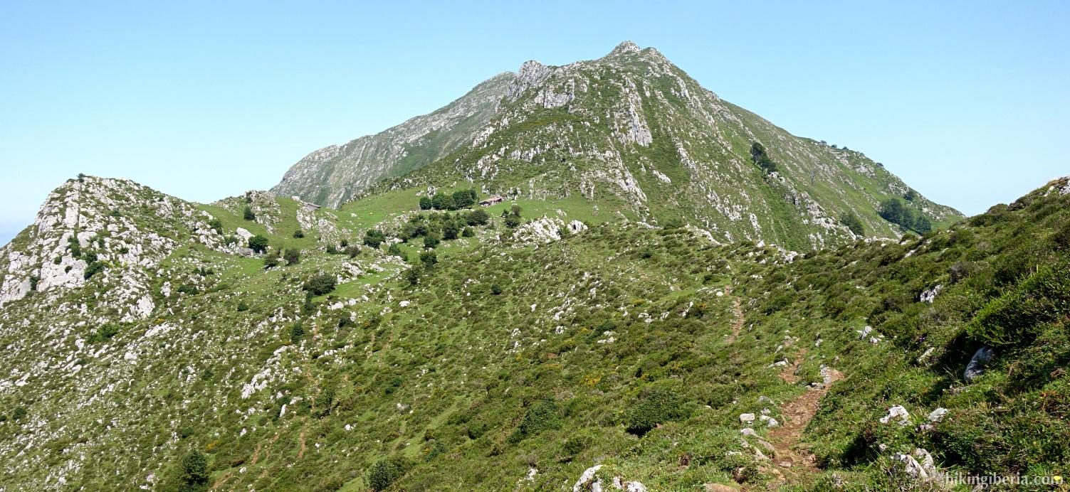 Trail to the Majada de Cerboes
