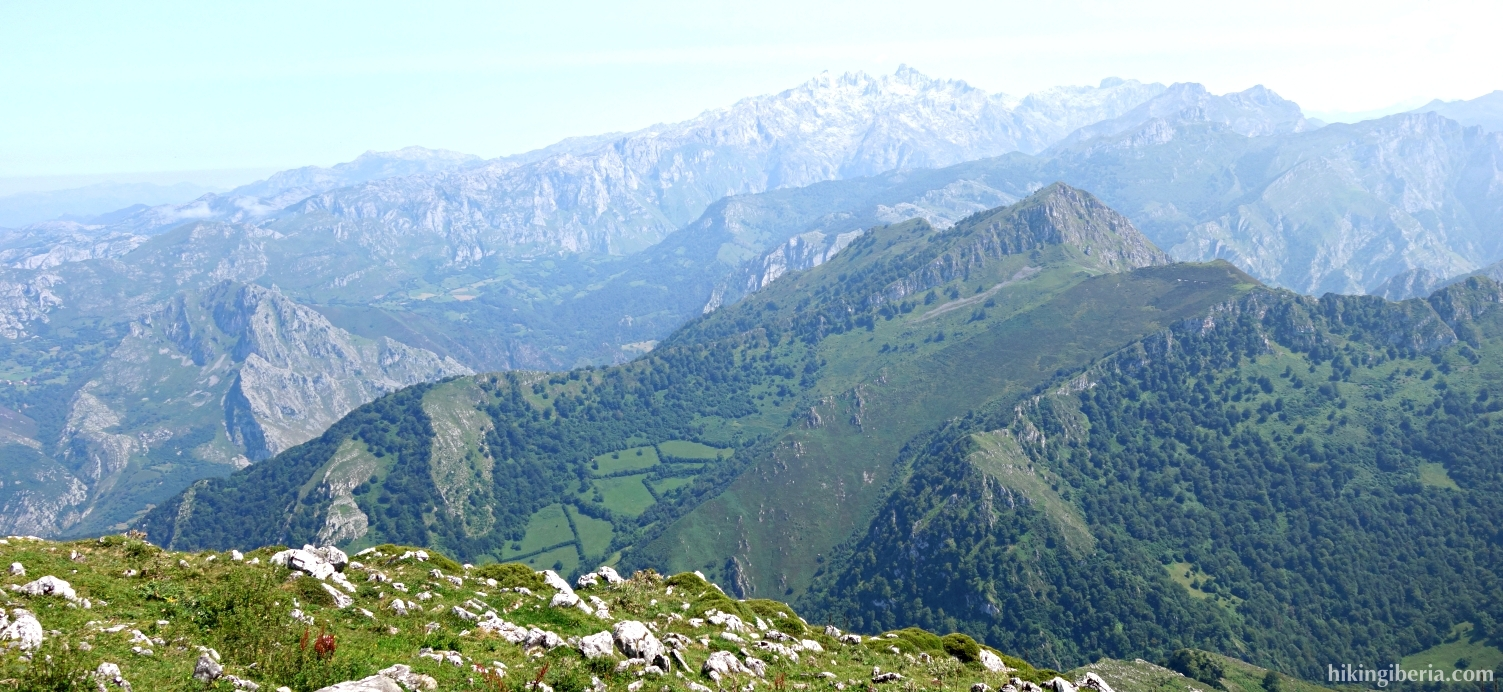 Uitzicht vanaf de Pico Pierzo