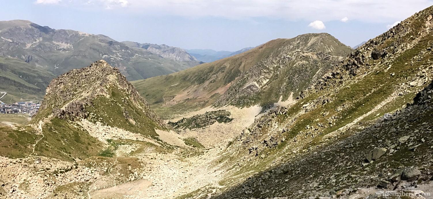 Descent from the Pic Negre d'Envalira