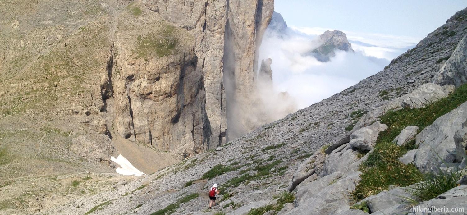 Afdaling vanaf de Pico Sobarcal