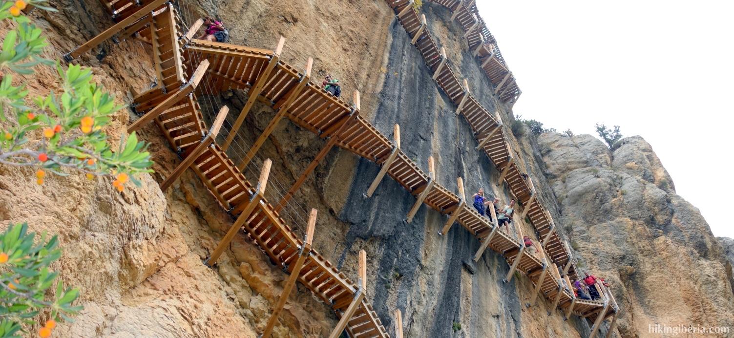 Escaleras en el Congost del Seguer