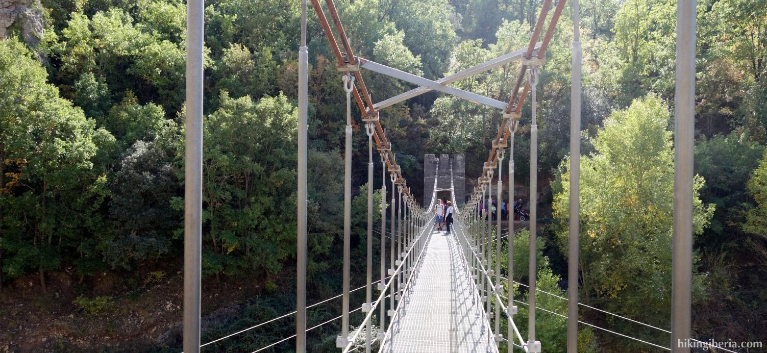 Puente Colgante sobre el Río Noguera Ribagorzana