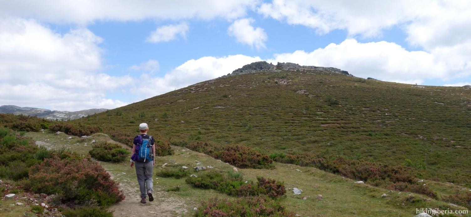 Trail to the Collado de la Lagunilla