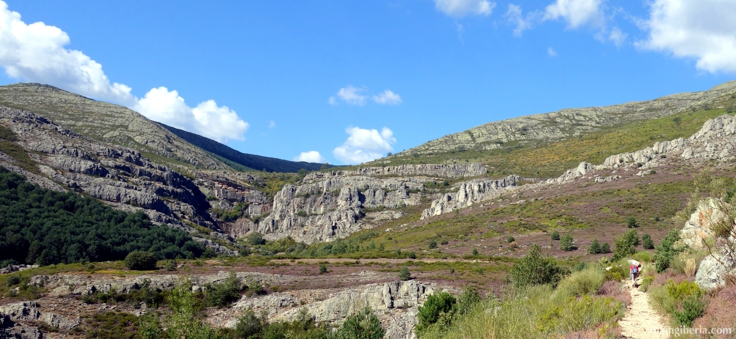 Trail towards the Pradera de la Madita