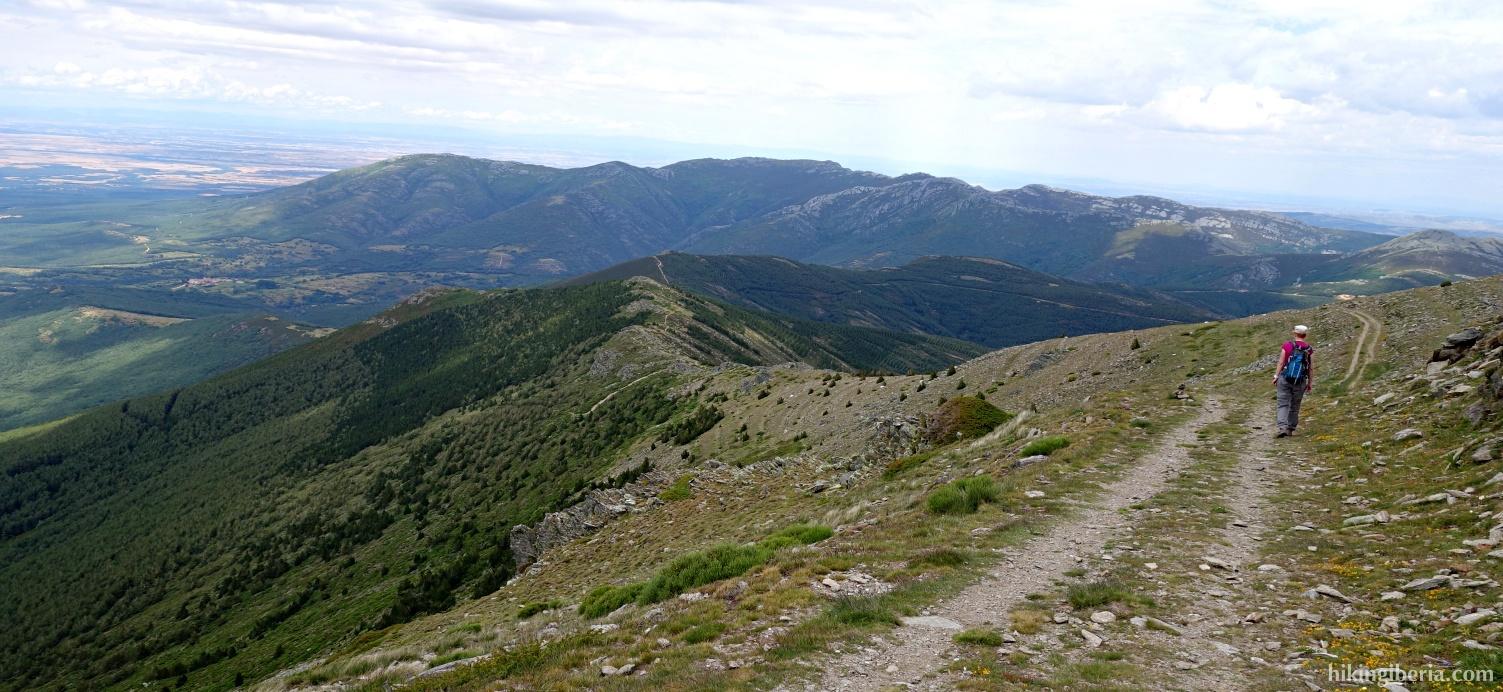 Afdaling naar de Collado de San Benito
