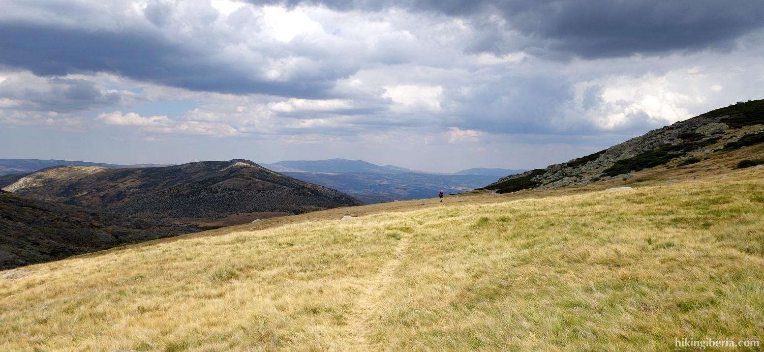 Descent from the Cuerda del Refugio