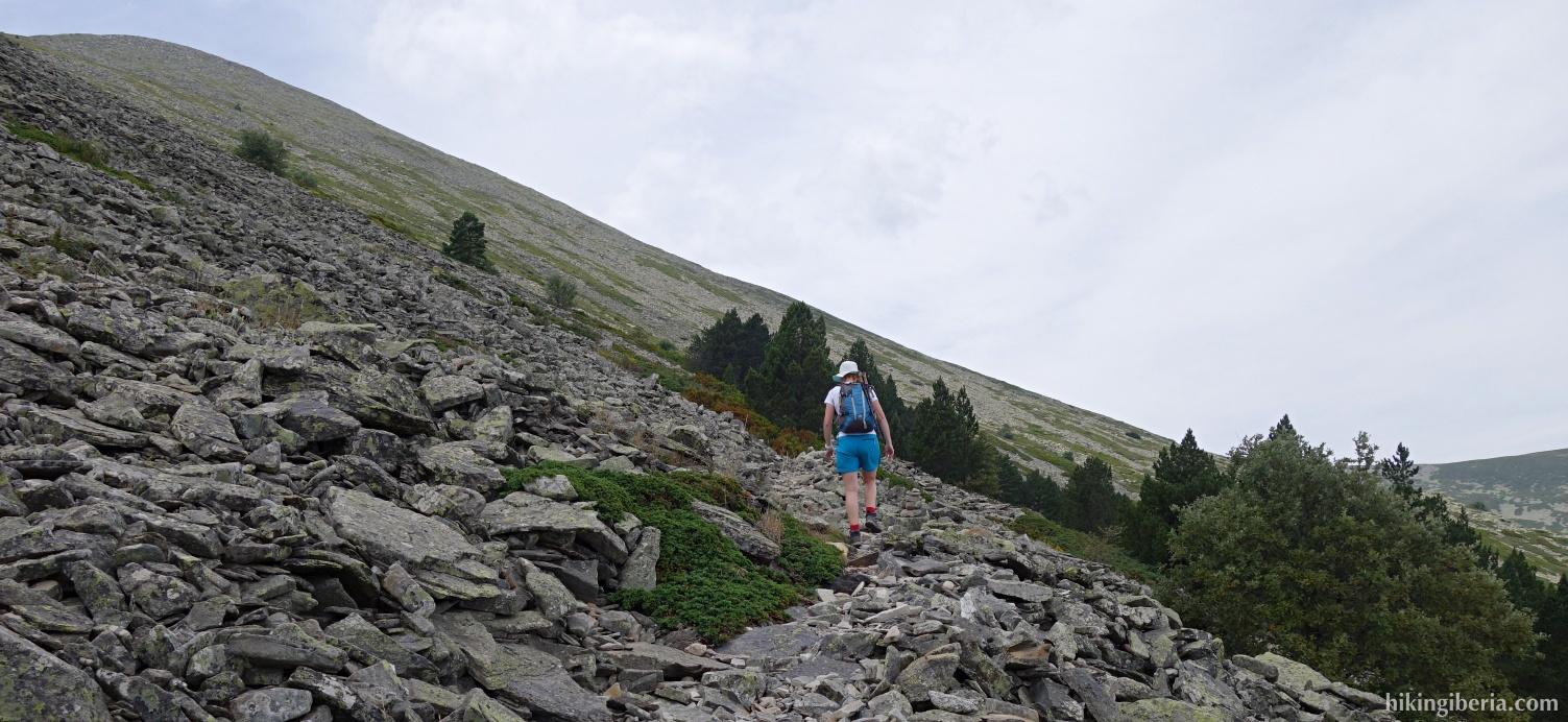 Ascent to the Collado de Pasalobos