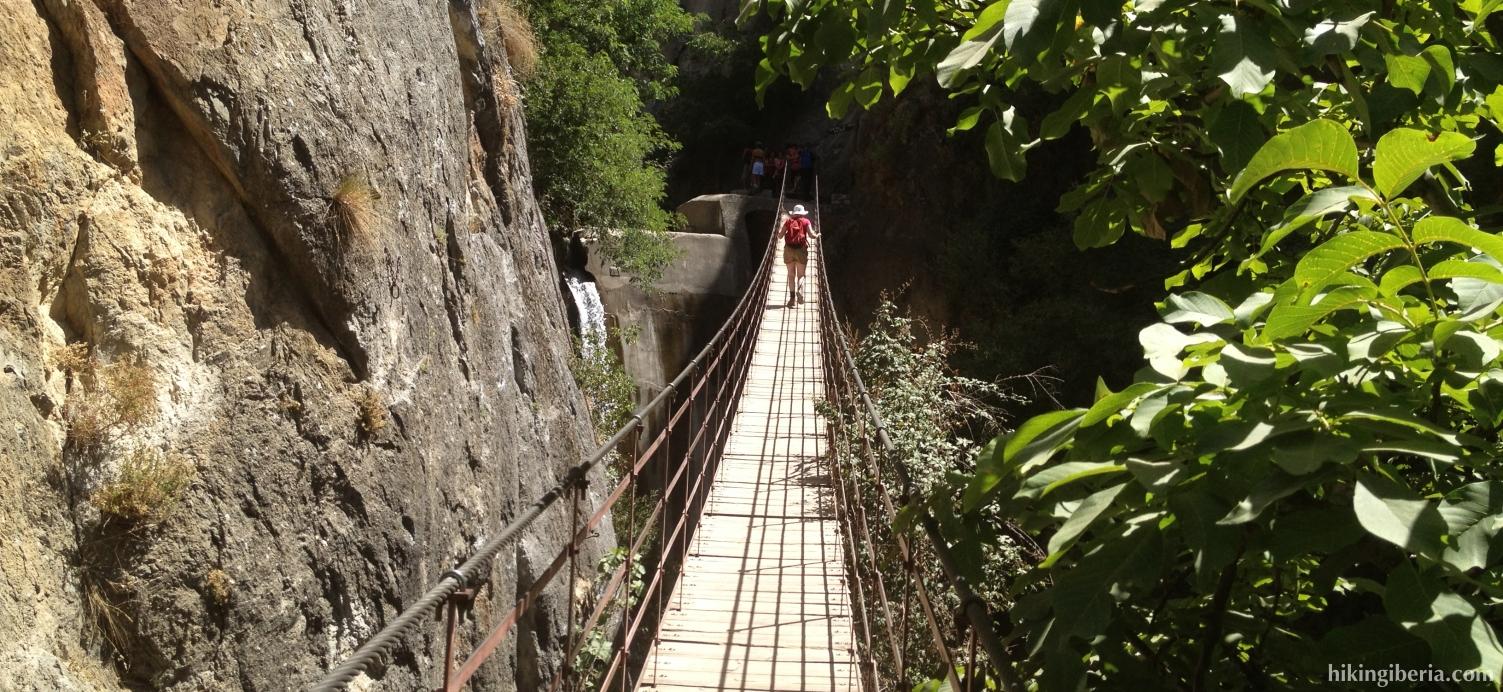 Hangbrug naar de Cahorros