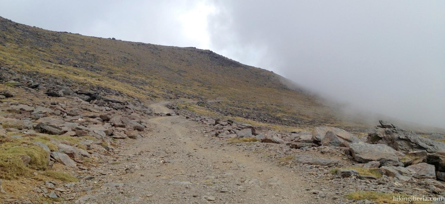 Descent to the Alto del Chorrillo