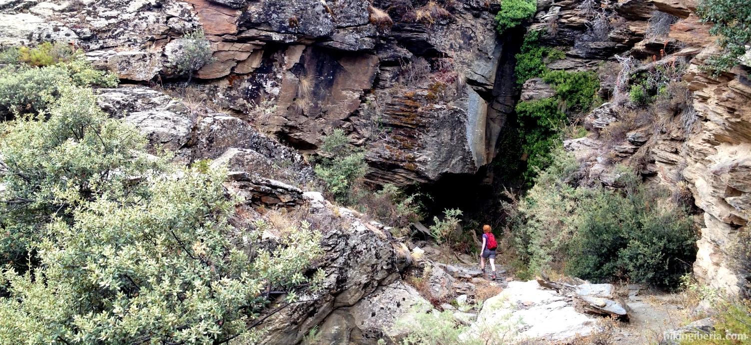 Descent to Pórtugos