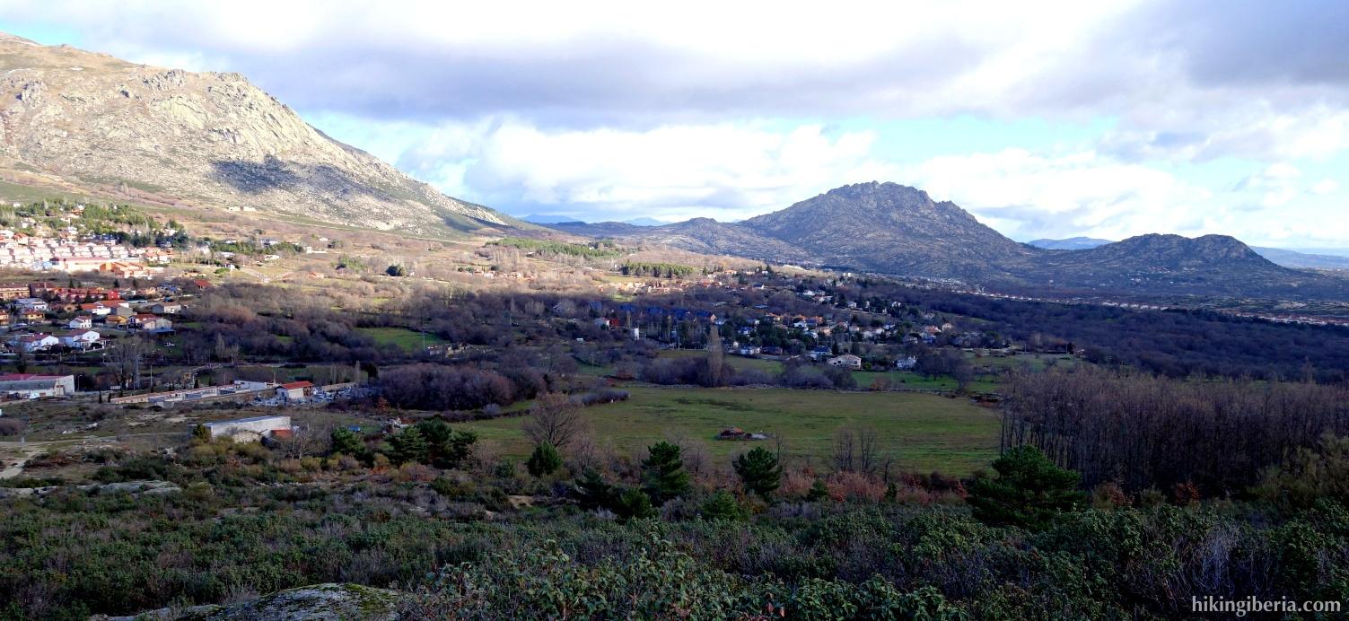 Uitzicht op Bustarviejo en de Sierra de la Cabrera