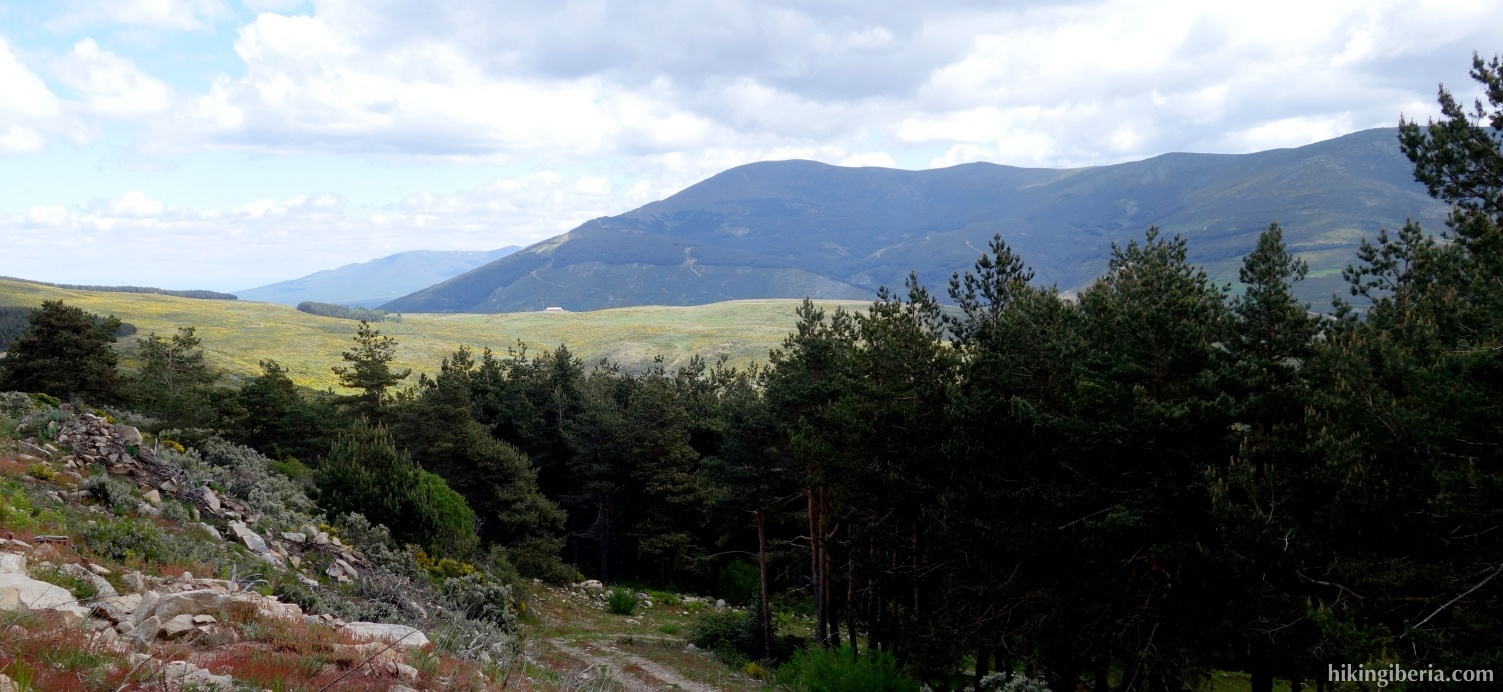Ascent to Pico Colgadizos