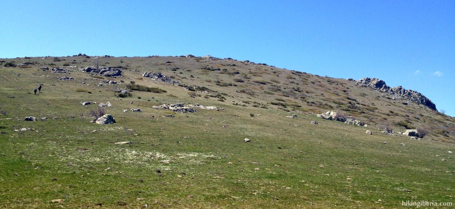 Climb to the Cerro del Águila
