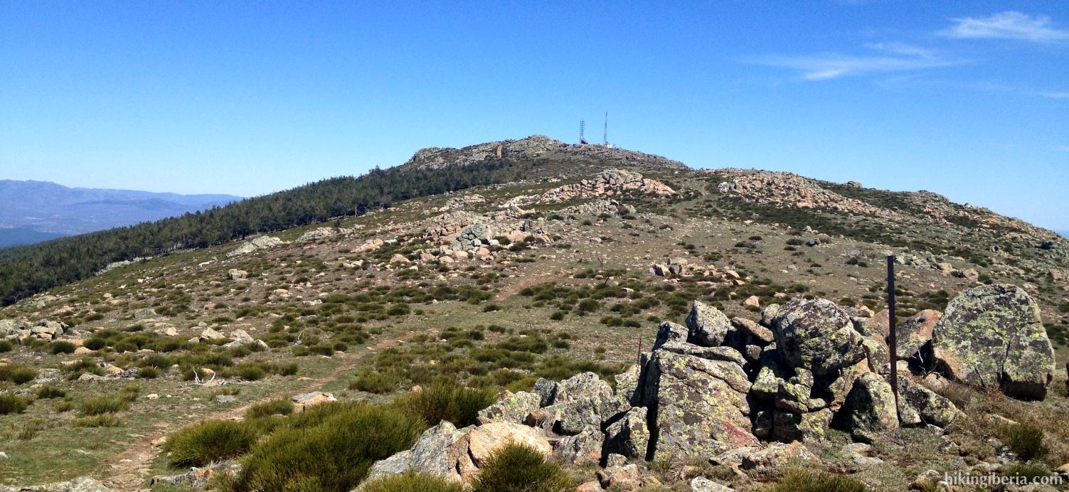 Senda hacia Pico Regajo