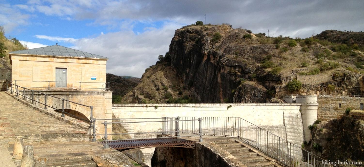Barrage of Pontón de la Oliva
