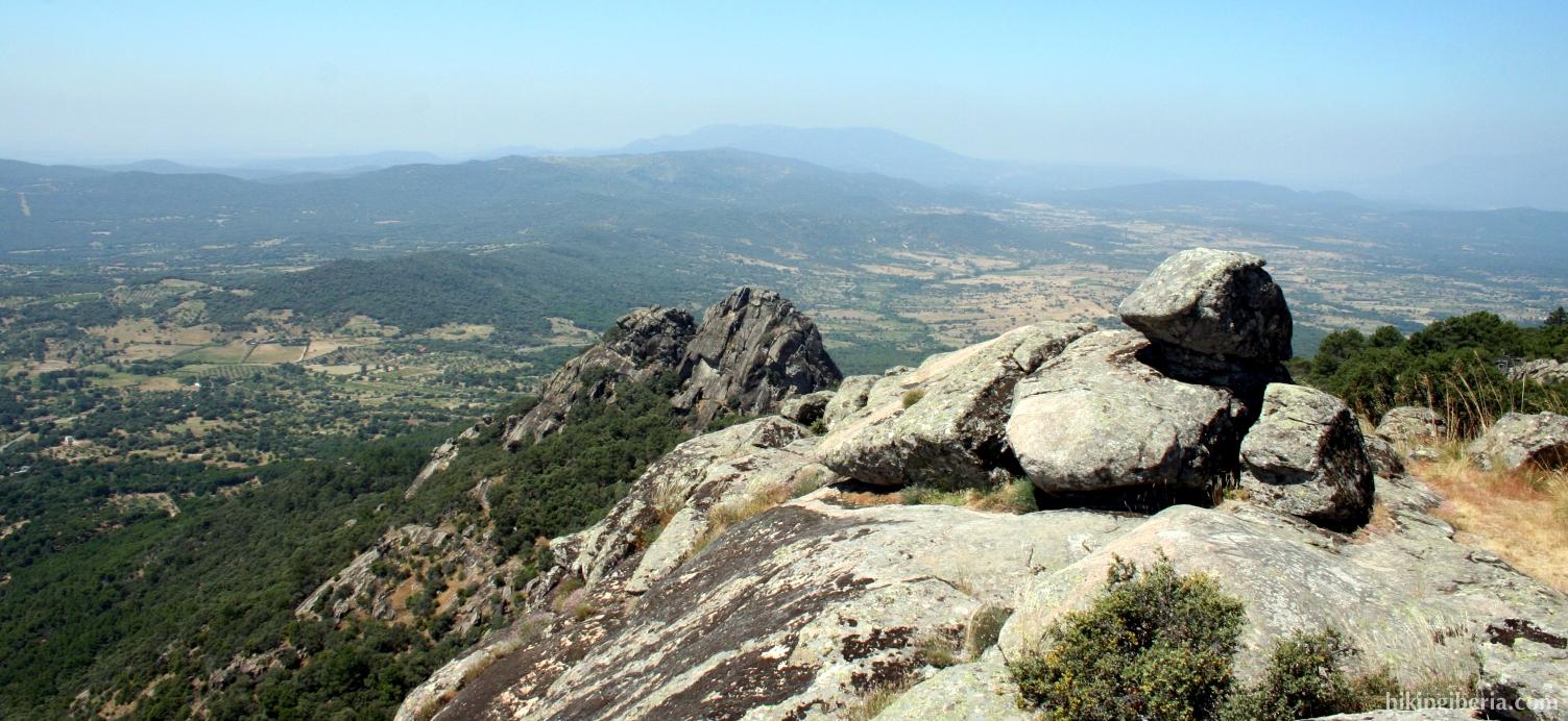 Rock of Cenicientos