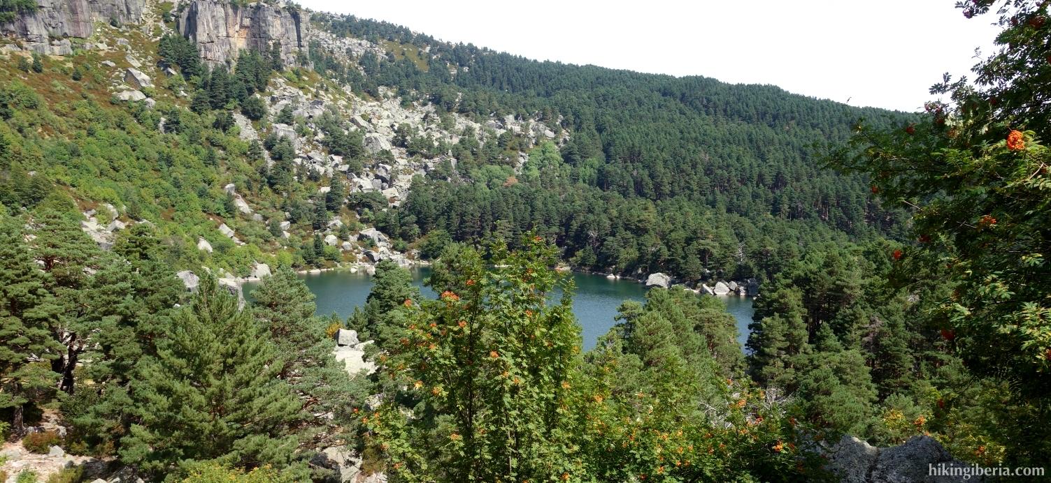 Vista sobre la Laguna Negra